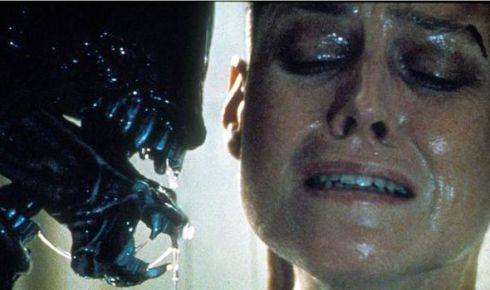 sigourney-weaver-alien-5-559248
